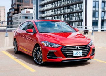Hyundai Elantra sport 2018 màu đỏ