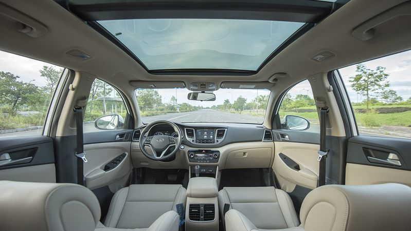 Nội thất Hyundai Tucson 2.0 AT 2WD phiên bản đặc biệt